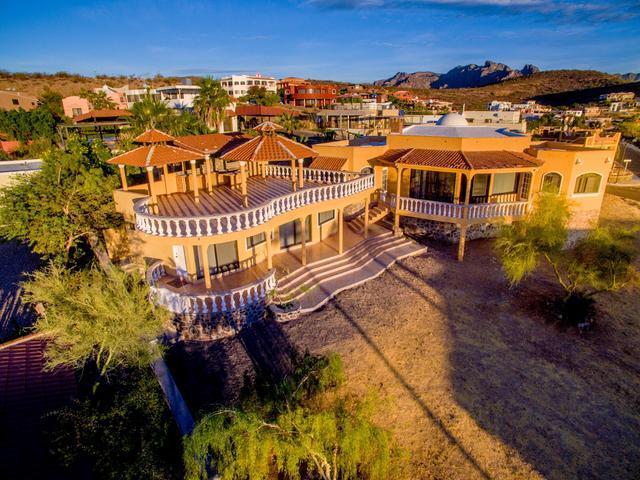 Casa a la venta Loma Bella, San Carlos.
