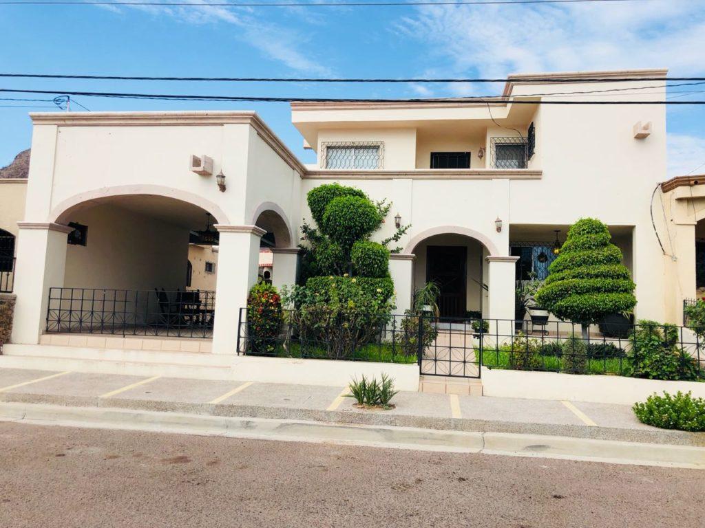 Casa en venta en Guaymas Sector campo de tiro.