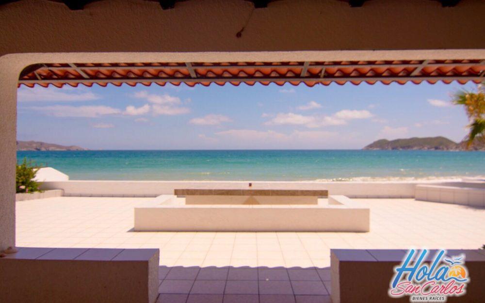 Casa en venta frente al mar San Carlos, costa del mar