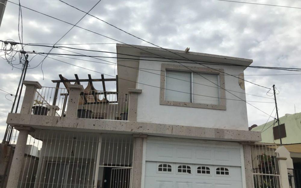 Casa en venta de 4 recamaras en Guaymas, Sector Burocrata