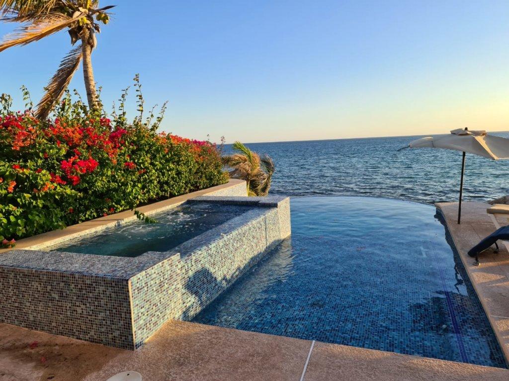 Casa en renta con alberca privada Frente al mar en San Carlos, Villas california